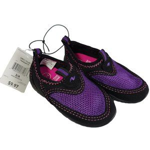 🍒3/$20🍒 NWT Black & Purple Watershoes Sz 3/4